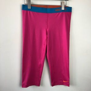 Nike Pro Large Crop Pant Athletic Leggings
